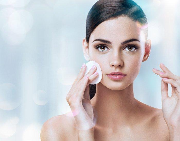 skincenter_gr_new_Home_therapies_prosopou_vathis_katharismos_prosopou_700x550